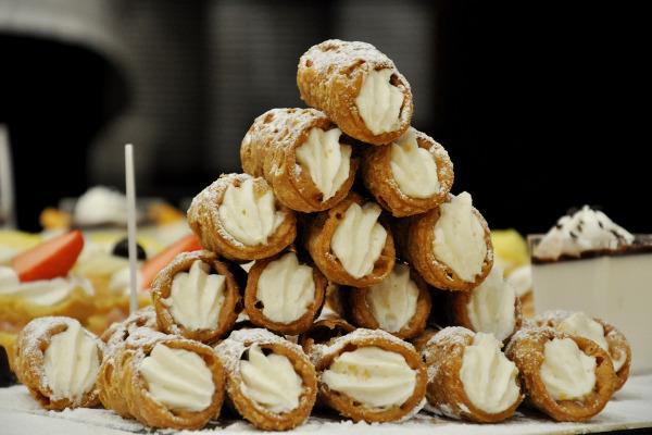 Scopri tutto sul servizio di consegna a domicilio di prodotti dolci e salati di Pasticceria Tipica Siciliana