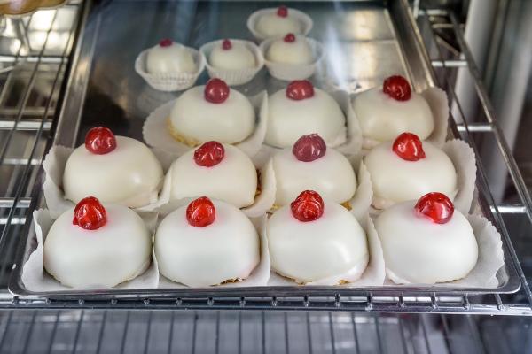 Pasticceria Tipica Siciliana ti porta i tuoi dolci preferiti a casa!